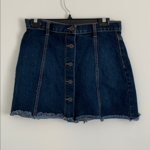 BARELY WORN FOREVER 21 JEAN SKIRT WITH BUTTONS